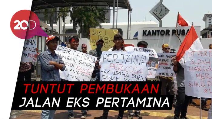 Kelompok Masyarakat Dayak Maanyan Demo di Depan Kantor Pertamina!