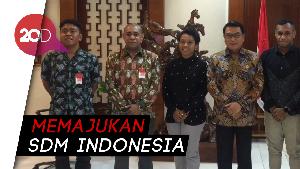 Latar Belakang Pemuda Papua yang Sambangi KSP: Mahasiswa hingga Pilot