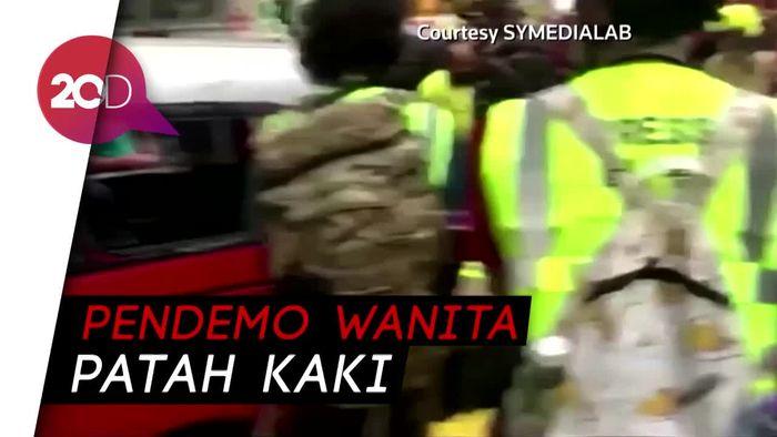 Taksi Terabas Pendemo di Hong Kong, Dua Orang Terluka