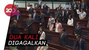 Pidato Pemimpin Hong Kong Digagalkan Pendemo