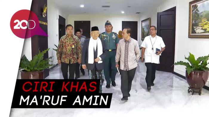 Gaya Sarungan Maruf Amin di Sidang Kabinet Perdana