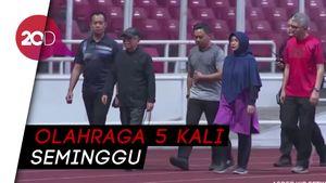 Jaga Kebugaran, Maruf Amin Keliling Lapangan GBK 5 Kali