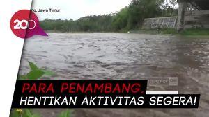 Akibat Hujan Deras, Banjir Lahar Dingin Serbu Semeru!