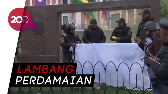 Usai Presiden Mundur, Polisi Bolivia Kibarkan Bendera Putih