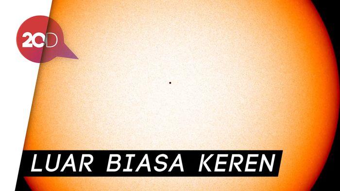 Video NASA Detik-detik Merkurius Lintasi Matahari
