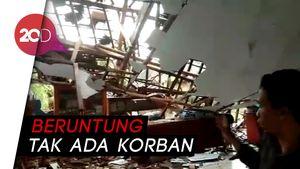 Hujan Deras Terjang Sukabumi, Bangunan Sekolah Porak-poranda!