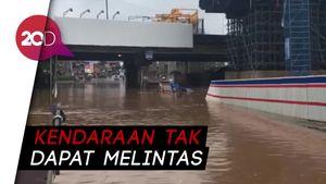 Kolong Tol JORR Banjir, Akses Bekasi-Jakarta Lumpuh