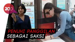 Awkarin Sambangi Polda Jatim Terkait Kasus Carding