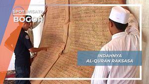 Al Quran Raksasa, Keindahan Simbol Kitab Suci Umat Muslim.