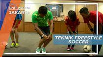Freestyle Soccer, Bermain Bola Di Ruang Kerja Sebuah Kantor Di Jakarta