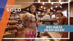 Belanja Berebut Roti Bolu, Oleh-oleh Khas Kota Solo