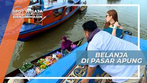 Menikmati Jajanan Pasar Khas Banjarmasin di Atas Perahu