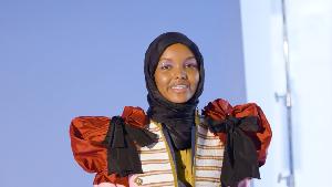 Halima Aden, Model Hijab Pertama yang Jadi Cover 'Allure'