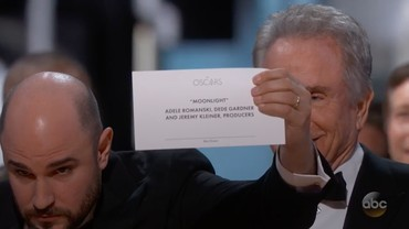Tak Jadi La La Land, Moonlight Film Terbaik Oscar 2017