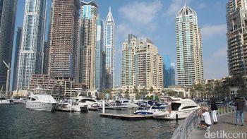 Melihat Indahnya Marina Buatan dan Gedung Berputar di Dubai