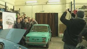 Tom Hanks Dapat Hadiah Mobil Klasik dari Penggemar