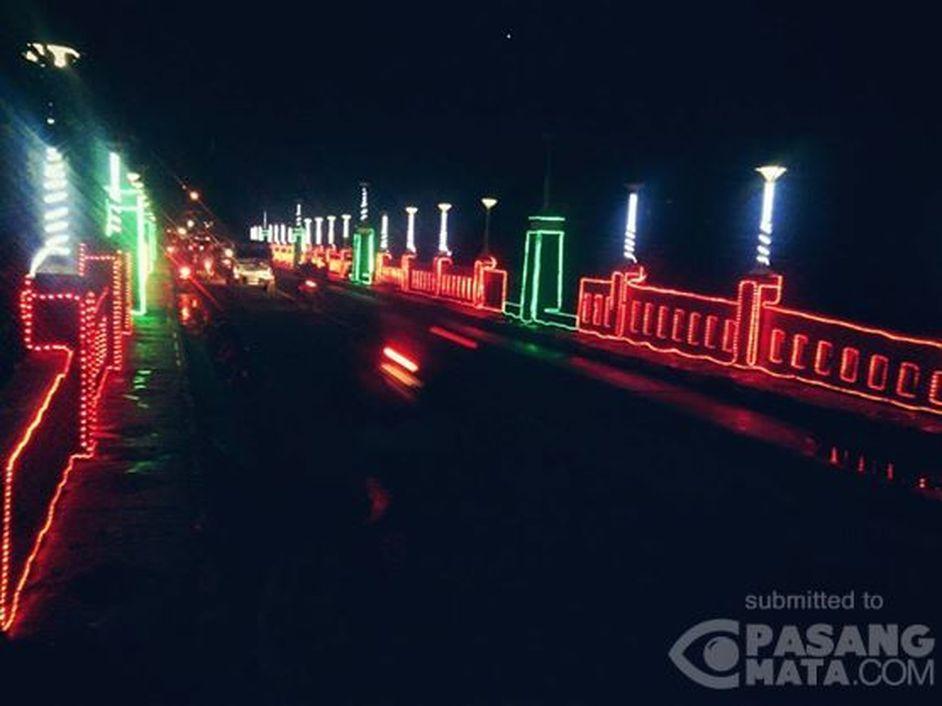Kerlap Kerlip Jembatan Di Pemkot Cimahi Pada Malam Hari