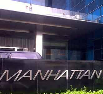 Satpam Tewas Lompat dari Hotel Manhattan