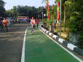 Yuk, Gowes di Lajur Khusus Sepeda Taman Ayodia-Blok M