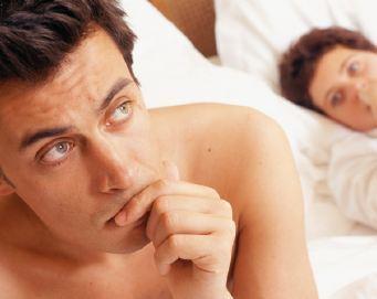 Waspada, Suami Pun Bisa Menopause Sehingga Malas Bercinta!