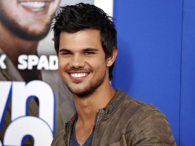 Brewokan, Taylor Lautner Makin Macho