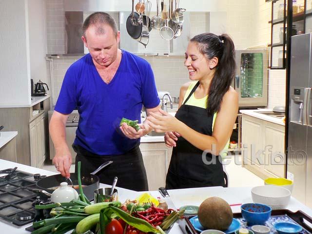 Serunya Hannah Al Rasyid Syuting Street Food Chef