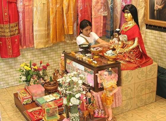 Legenda Cinta Horor di Kuil Thailand