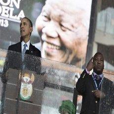 Palsu, Penerjemah Bahasa Isyarat Saat Acara Mandela Diburu Polisi