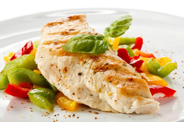Agar Tak Menambah Lemak, Olah Ayam Menjadi Pepes dan Sup Ayam