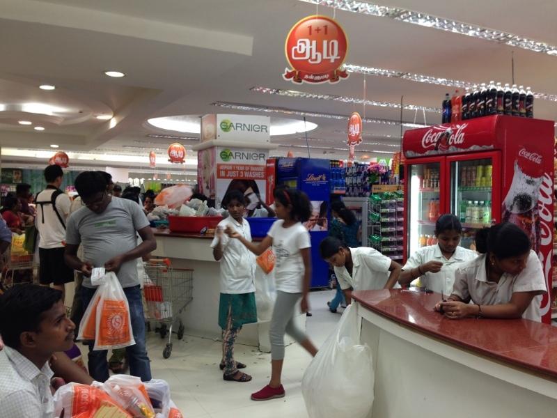 Belanja di Supermarket India, Siapkan Fisik Anda!
