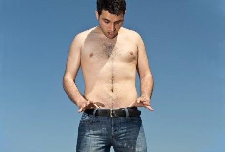 Ukuran Kedua Buah Zakar Tak Sama? Dokter: Normal dan Ada Alasannya