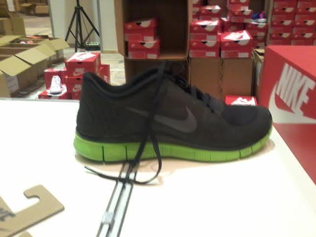 Sepatu <i>Running</i> Nike Ada di JCC, Tapi Diskonnya Sedikit