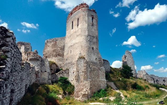Ngeri! Kastil di Eropa Ini Konon Dulunya Tempat Mandi Darah Gadis
