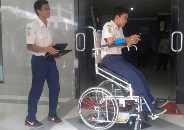 Robot Kursi Roda <i>Made in Sidoarjo</i>