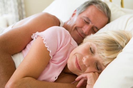 Lewati Ultah Pernikahan ke-50, Gairah Seks akan Bersemi Kembali