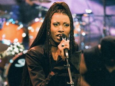 Penyanyi R&B Ini Tewas Mengenaskan dengan Luka Sayatan di Leher