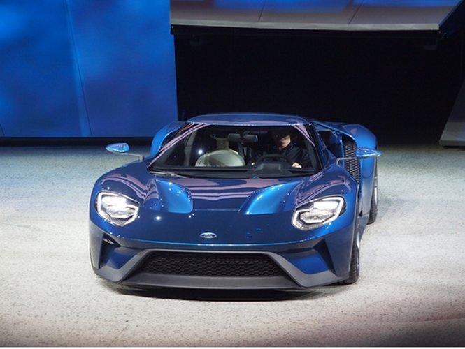 Harga Ford GT Setara dengan Lamborghini Aventador