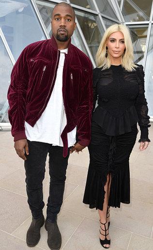 Pamer Foto Kim Tanpa Busana, Kanye West: Aku Sangat Beruntung