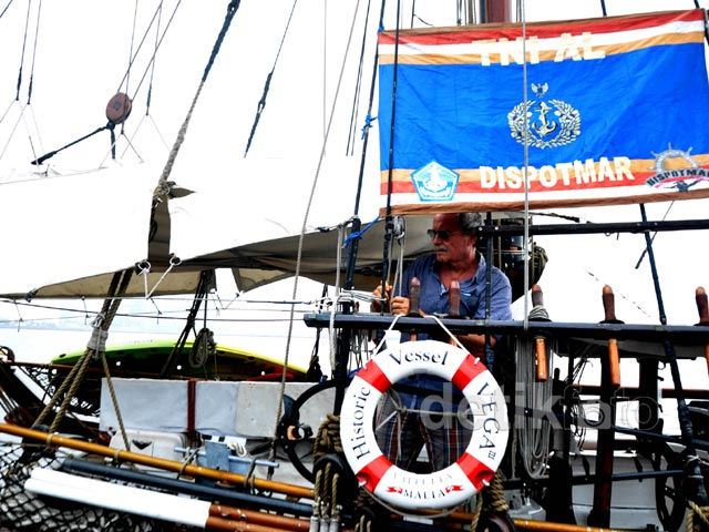 Kapal Phinisi Swedia Jelajahi 18 Pulau Terpencil