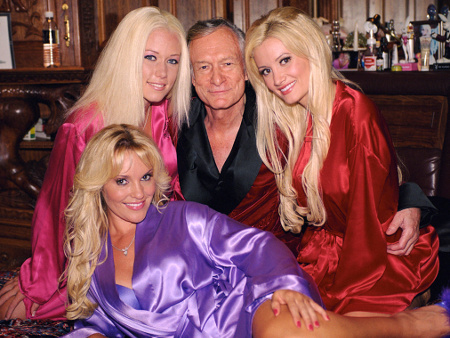 Pasca Buku Holly Madison Dirilis, Mantan Model Playboy Lain Bela Hugh Hefner