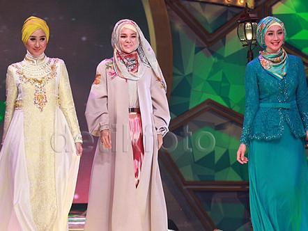 Lenggak-lenggok 8 Finalis Iringi Marcell Buka Grand Final Sunsilk Hijab Hunt 2015