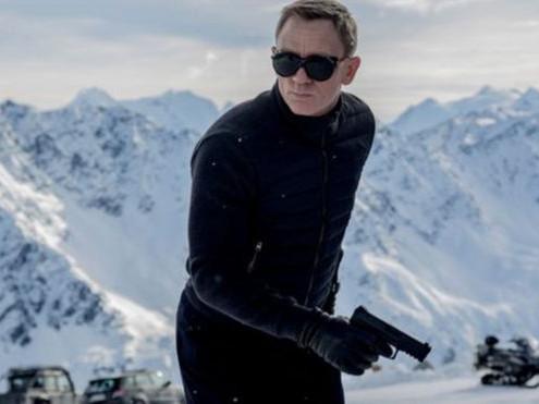 Drama Musikal James Bond Picu Kontroversi