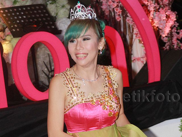 Bermahkota, Cherly eks Cherrybelle Tampil Bak <i>Princess</i>