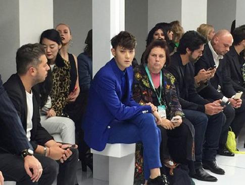 Tao eks EXO Jelaskan Alasan Terlambat di <i>Fashion Show</i> London