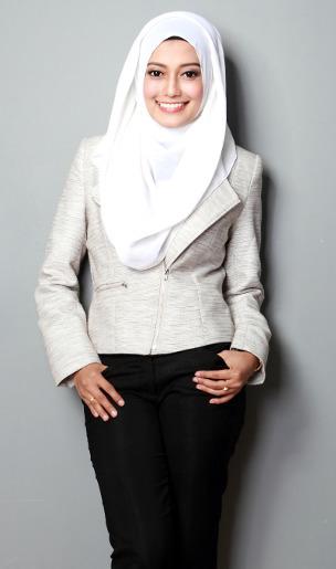 Hijabers, Ini Padu Padan Busana untuk Wanita Bertubuh Gemuk & <i>Petite</i>