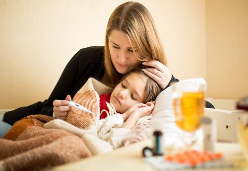 Berikan Makanan Ini Saat Anak Demam dan Sakit Tenggorokan