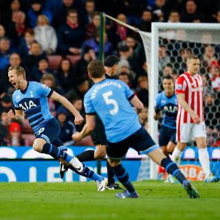 Hantam Stoke 4-0, Spurs Rapatkan Jarak dengan Leicester