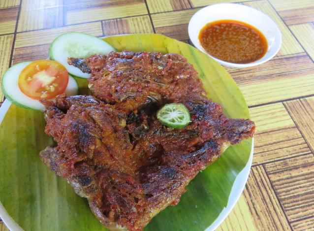 Pedas Berempah, Ayam Taliwang Plus Sambal Pelalah yang Gurih