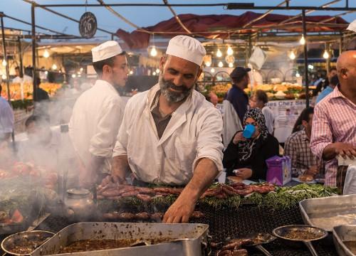 Pecinta Makan! Ini 10 Kota Terbaik untuk Wisata Street Food