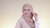 Tutorial: Hijab Aksen Poni Samping